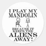 Guarda la mandolina ausente de los extranjeros etiqueta redonda