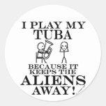 Guarda la tuba ausente de los extranjeros etiquetas redondas
