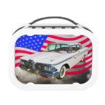 Guardabosques 1959 de Edsel y bandera americana