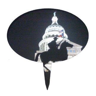 Guardabosques delante de TX Capitol.jpg Figura De Tarta