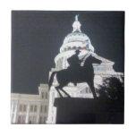 Guardabosques delante de TX Capitol.jpg Azulejos Cerámicos