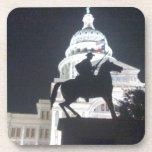 Guardabosques delante de TX Capitol.jpg Posavaso