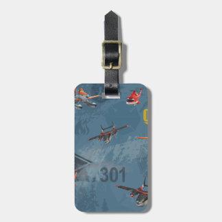 Guardabosques polvoriento, de la cuchilla, y etiqueta de maleta