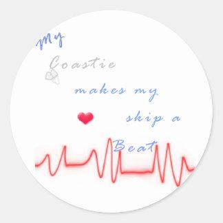 Guardacostas del golpe de corazón pegatina redonda