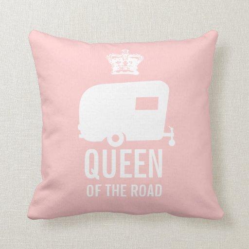 Guarde a la reina de la calma y del campo encendid almohadas