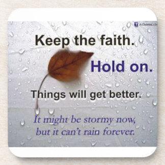 Guarde el asimiento de la fe. Las cosas Posavaso