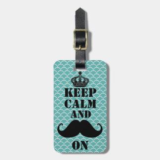 Guarde el bigote tranquilo encendido etiquetas maletas