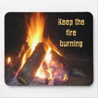 Guarde el Burning del fuego Mouse Pad
