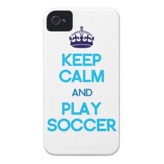 Guarde el fútbol de la calma y del juego (azul) iPhone 4 Case-Mate cobertura