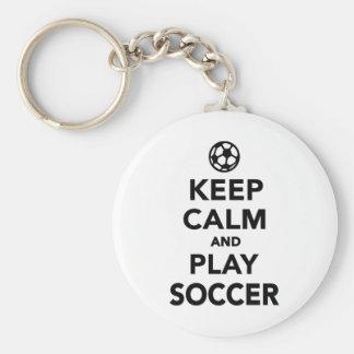 Guarde el fútbol de la calma y del juego llavero redondo tipo pin