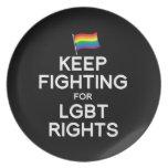 GUARDE EL LUCHAR PARA LAS DERECHAS DE LGBT PLATO DE COMIDA