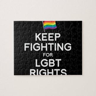 GUARDE EL LUCHAR PARA LAS DERECHAS DE LGBT ROMPECABEZAS CON FOTOS