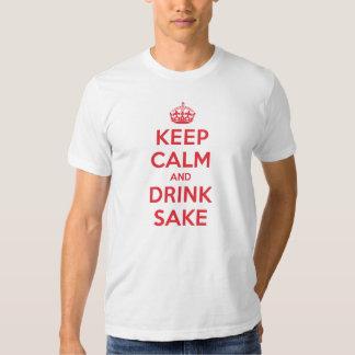 Guarde el motivo tranquilo de la bebida remeras
