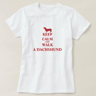 Guarde el paseo tranquilo una camiseta para mujer