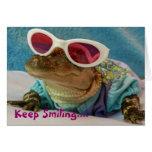Guarde el sonreír… Cocodrilo en tarjeta de las gaf