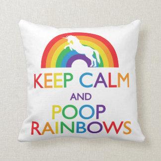 Guarde el unicornio de los arco iris de la calma y cojín decorativo