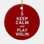 Guarde el violín de la calma y del juego ornamente de reyes
