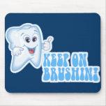 ¡Guarde en Brushin! Alfombrillas De Ratón