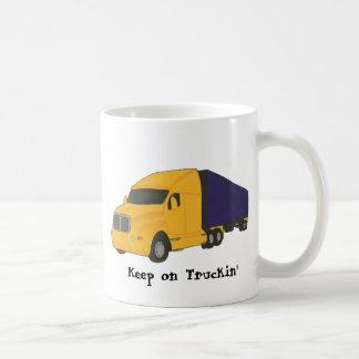 Guarde en el camión de Truckin', en las tazas