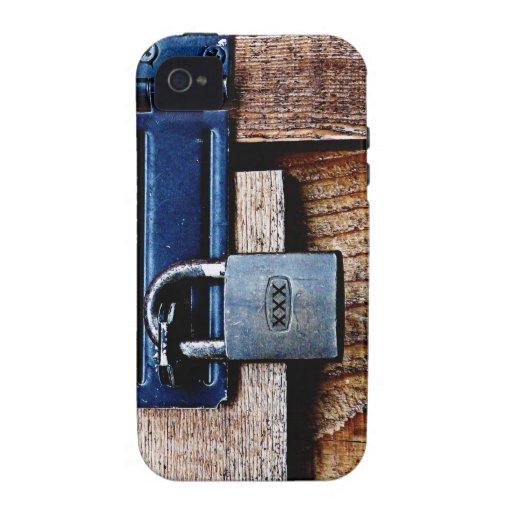 ¡Guarde HACIA FUERA! Padlock y la barra asegura su Case-Mate iPhone 4 Carcasa