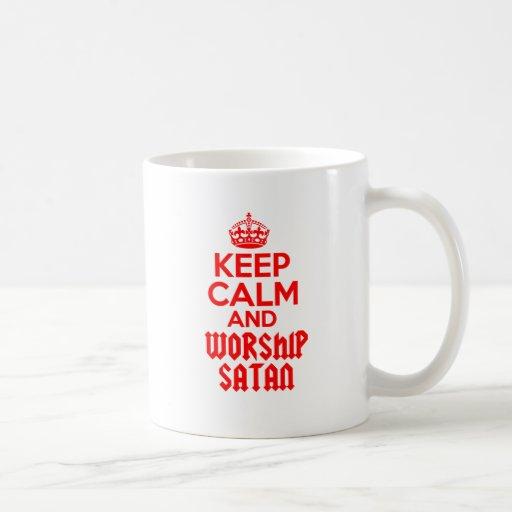 Guarde la adoración tranquila Satan Taza