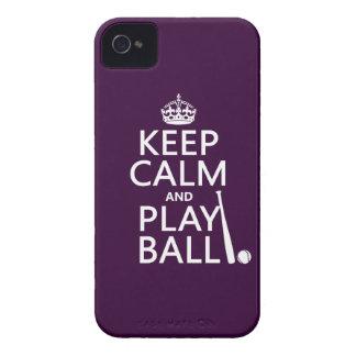 Guarde la bola de la calma y del juego (béisbol) iPhone 4 Case-Mate cobertura