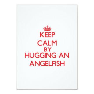 """Guarde la calma abrazando un Angelfish Invitación 5"""" X 7"""""""