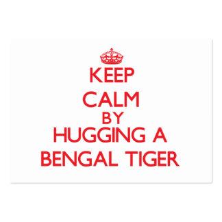 Guarde la calma abrazando un tigre de Bengala Tarjetas De Visita Grandes