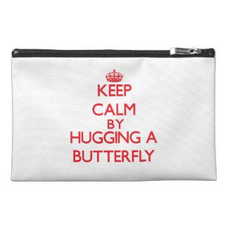 Guarde la calma abrazando una mariposa