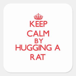 Guarde la calma abrazando una rata pegatina cuadrada