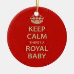 Guarde la calma allí es un bebé real ornamento de reyes magos