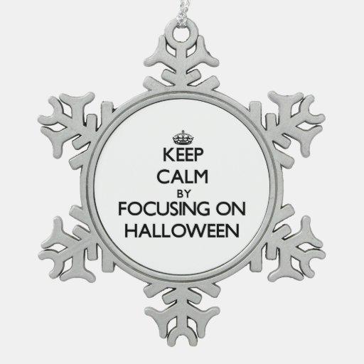 Guarde la calma centrándose el Halloween Adornos