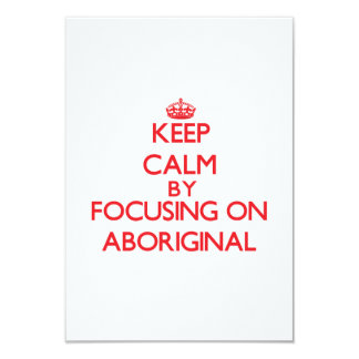 Guarde la calma centrándose en aborigen comunicados personales