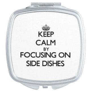 Guarde la calma centrándose en acompañamientos espejos maquillaje