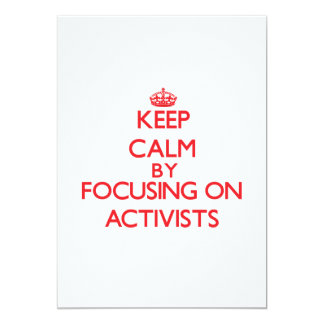 """Guarde la calma centrándose en activistas invitación 5"""" x 7"""""""