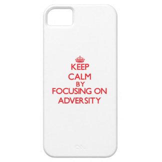 Guarde la calma centrándose en adversidad iPhone 5 Case-Mate coberturas