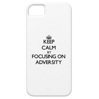 Guarde la calma centrándose en adversidad iPhone 5 carcasa