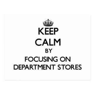 Guarde la calma centrándose en almacenes grandes postal