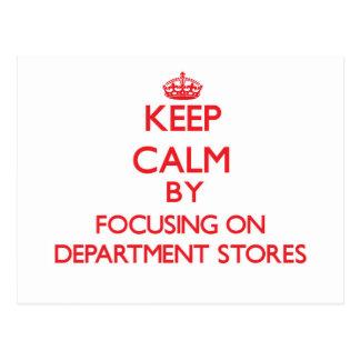 Guarde la calma centrándose en almacenes grandes postales