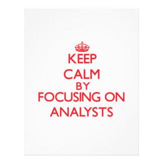Guarde la calma centrándose en analistas tarjetas informativas