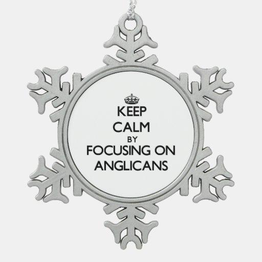 Guarde la calma centrándose en anglicanos adornos