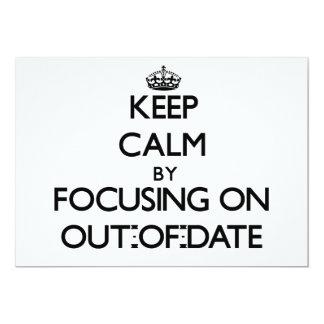 Guarde la calma centrándose en anticuado invitaciones personalizada