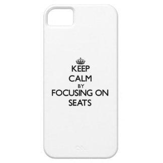 Guarde la calma centrándose en asientos iPhone 5 Case-Mate cobertura