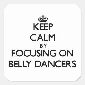 Guarde la calma centrándose en bailarinas de la pegatina cuadrada