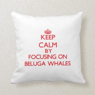 Guarde la calma centrándose en ballenas de la belu almohadas