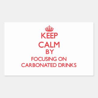 Guarde la calma centrándose en bebidas carbónicas pegatina rectangular