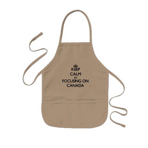 Guarde la calma centrándose en Canadá Delantal