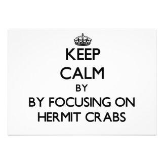 Guarde la calma centrándose en cangrejos de ermita invitaciones personalizada