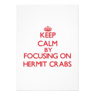 Guarde la calma centrándose en cangrejos de ermita invitacion personal