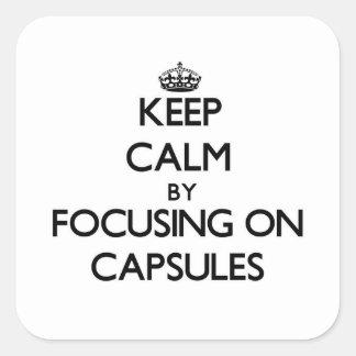Guarde la calma centrándose en cápsulas pegatinas cuadradas